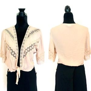 LIKE NEW CROP COVER TOP W/CROCHET LACE TRIM DETAIL